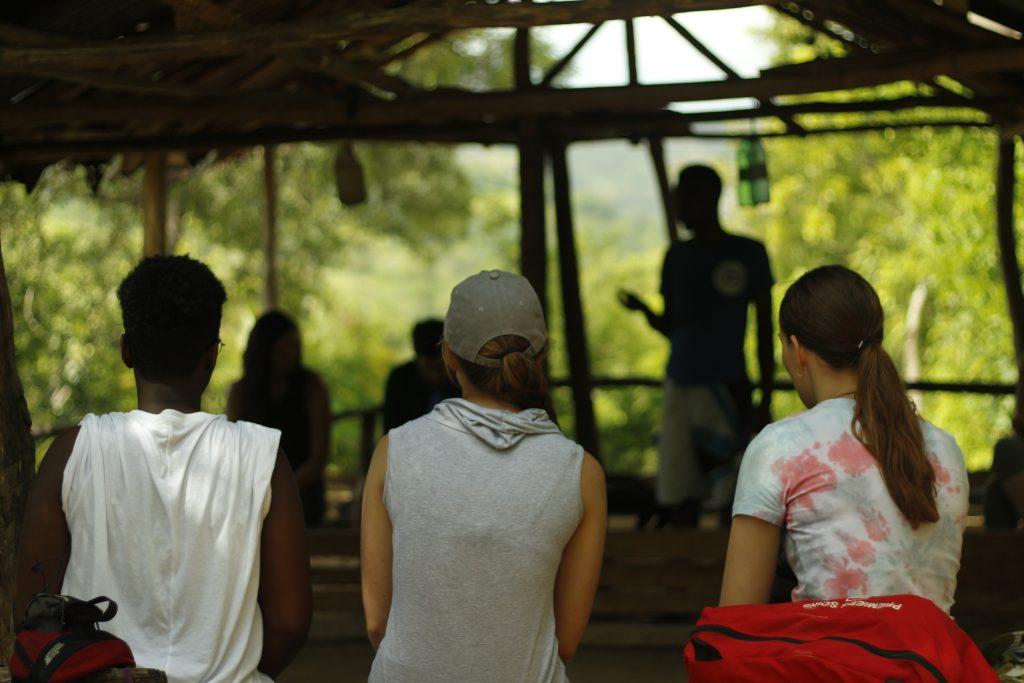 Trois stagiaires QSF lors de leur stage à l'étranger en Haïti